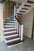 Лестница из массива лиственницы.