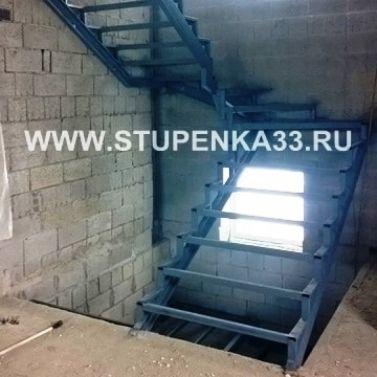 Каркас металлический для лестницы