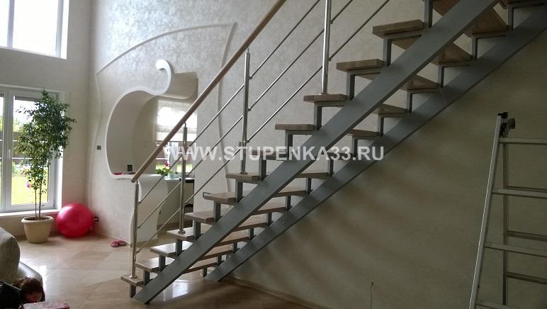 Лестница из металла в частном доме