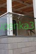 Стеклянное ограждение из прозрачного калёного стекла 10 мм с применением стандартных и коннекторных креплений