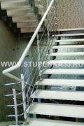 Обшивка лестницы массивом ясеня