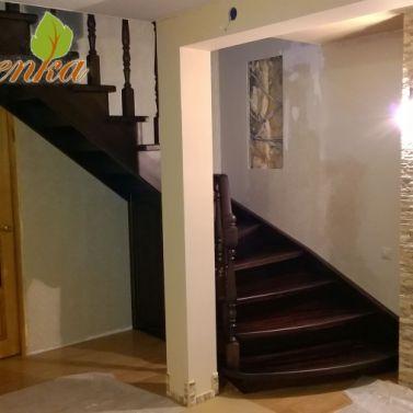 Лестница из сосны. Цвет Венге