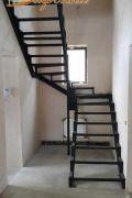 Лестница на металлокаркасе 2 этажа.