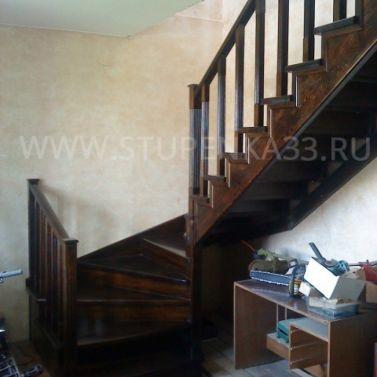 Лестница из лиственницы на металлическом каркасе
